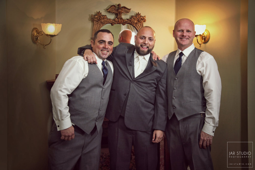 09-groomsmen-dr-phillips-house-orlando-jarstudio.JPG