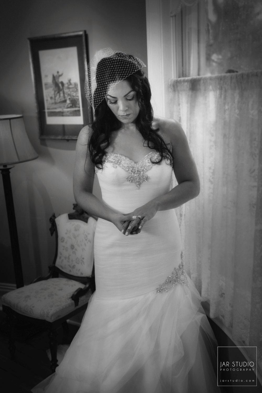 12-beautiful-wedding-dress-dr-phillips-house-jarstudio-photography.JPG