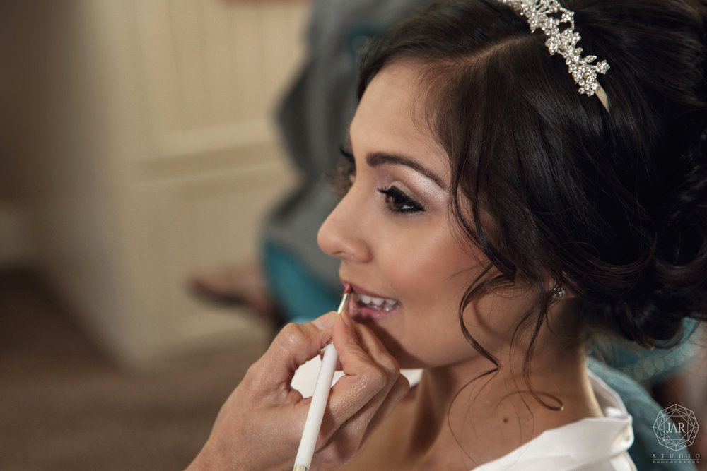 08-bride-makeup-getting-ready-jarstudio-orlando-photographer.JPG