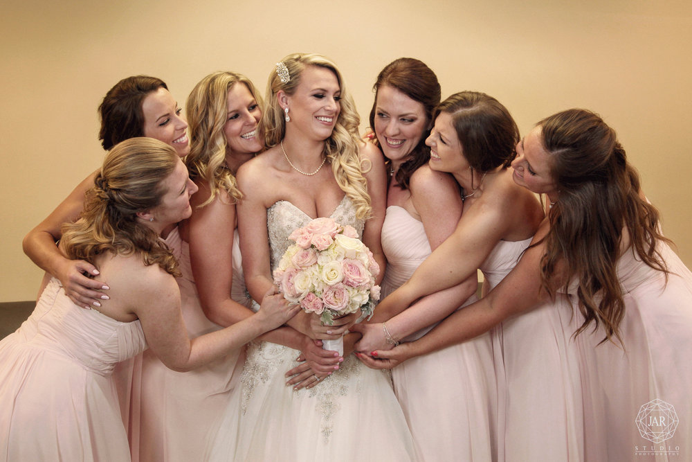 04-bride-bouquet-best-friends-orlando-wedding-jarstudio-photography.jpg