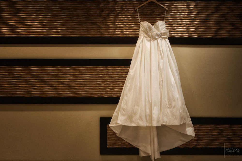 01-wedding-dress-hotel-orlando-photographer.JPG