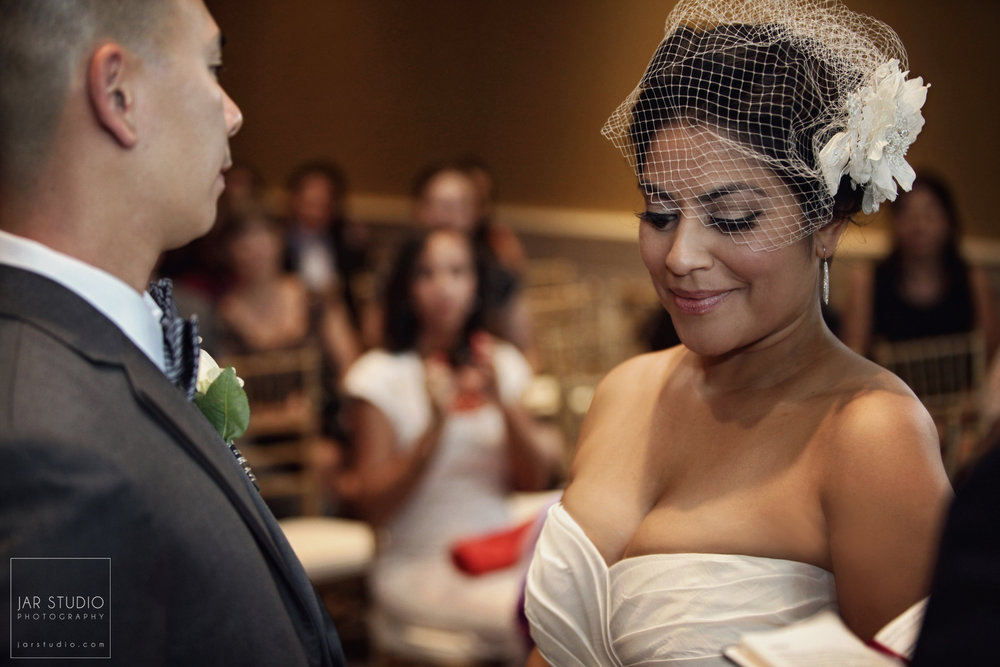 14-beautiful-bride-head-piece-orlando-photographer.JPG