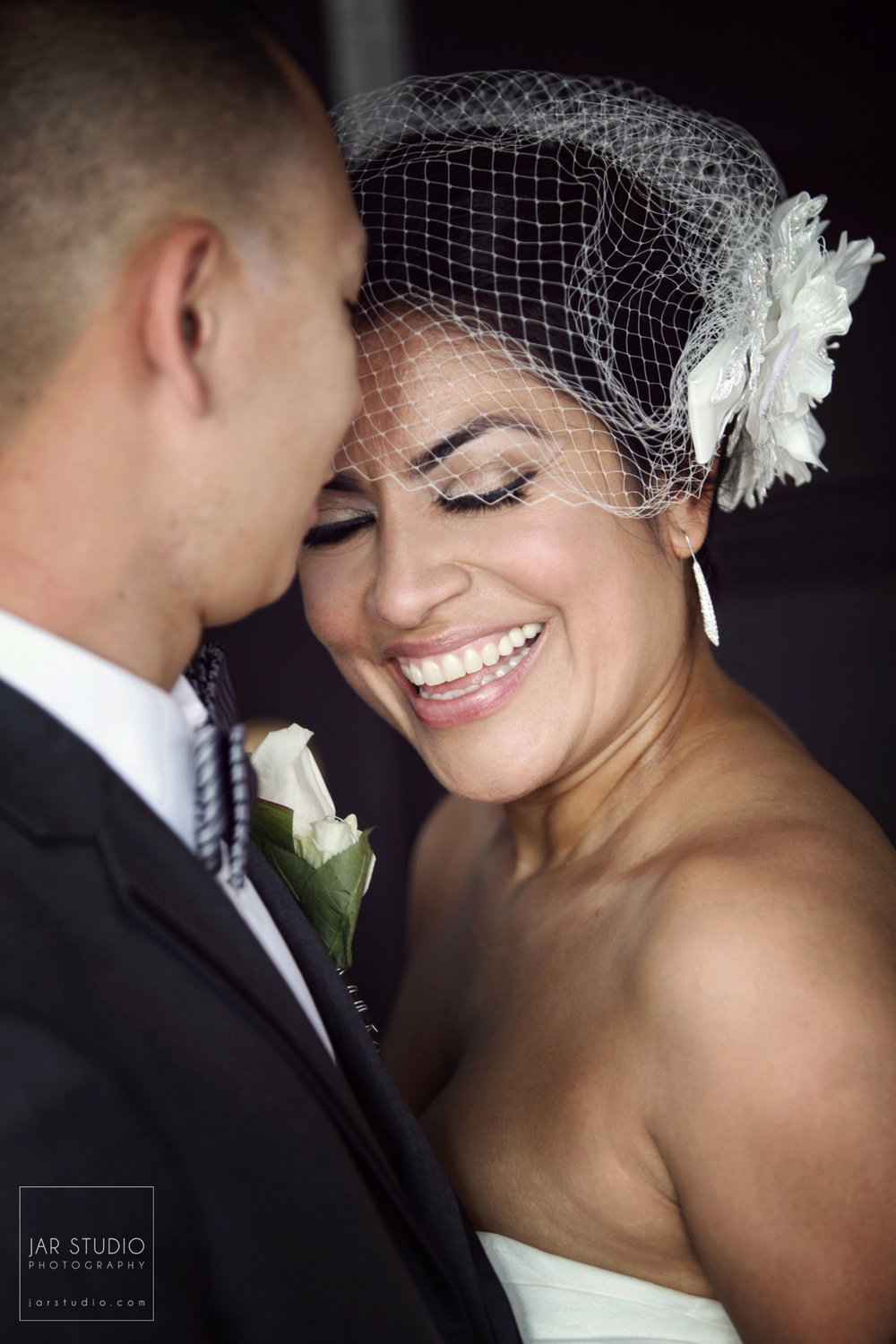 19-happy-bride-beautiful-photography-jarstudio-orlando.JPG