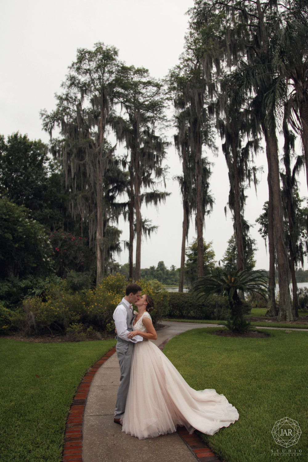 30-romantic-wedding-at-orlando's-cypress-grove-jarstudio-photography.JPG