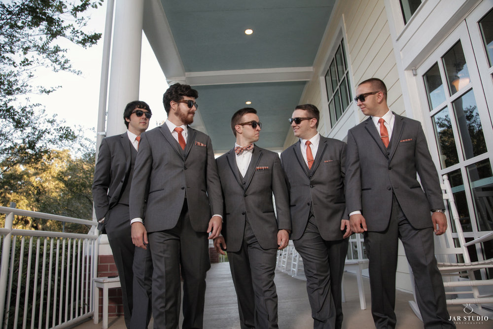 27-groom-groomsmen-cool-picture-jarstudio-photographer-central-florida.JPG