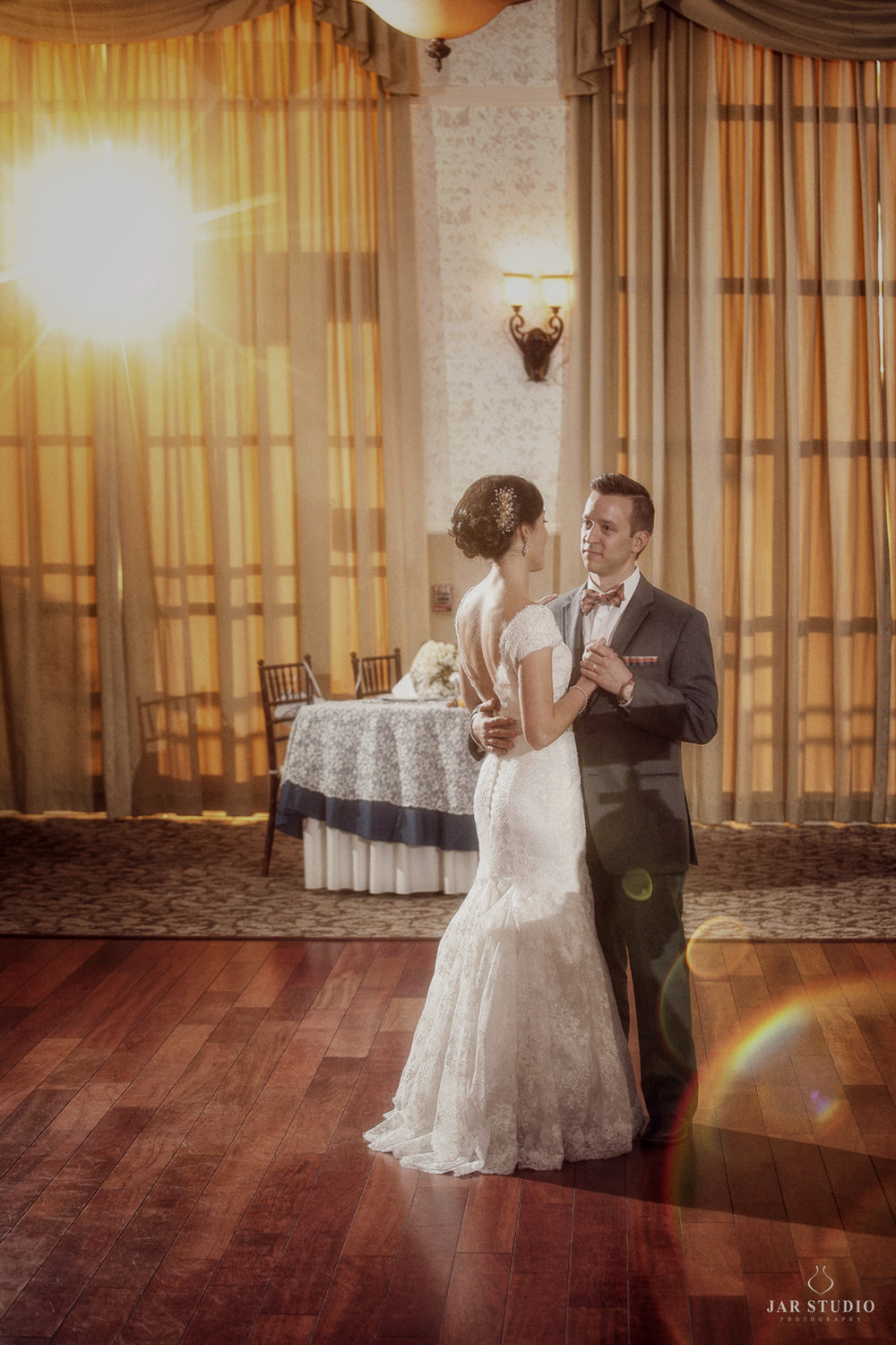 32-first-dance-lake-mary-events-center-reception-decoration-jarstudio-photography-the-best.JPG