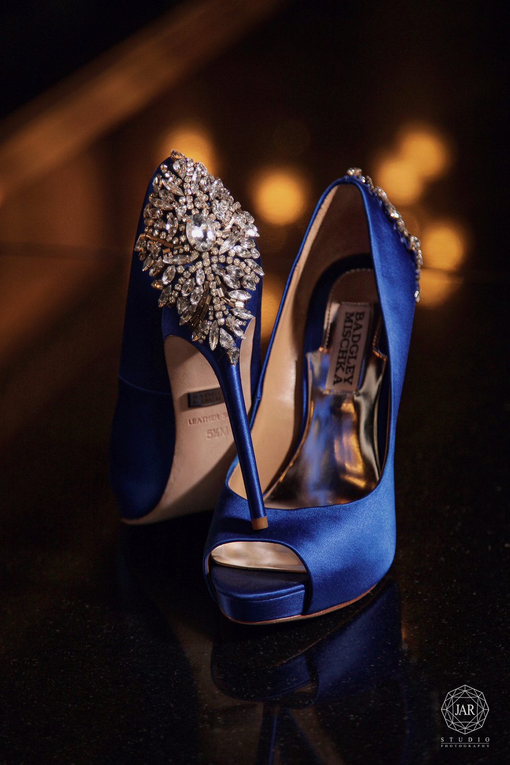 10-badgleymischka-blue-wedding-shoes-jarstudio-orlando-photography.JPG