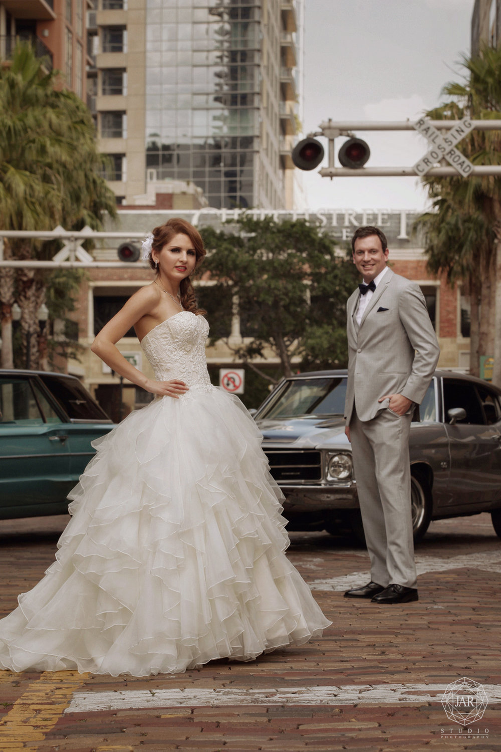 24-stunning-wedding-dress-bride-groom-jarstudio-orlando-photography.JPG