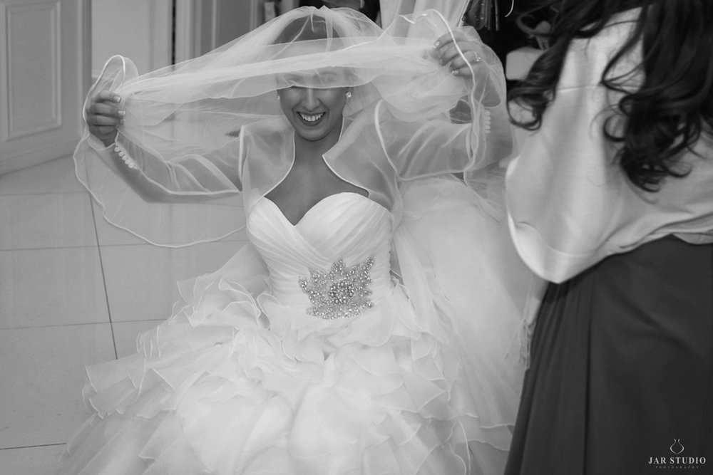 13-bride-moment-jarstudio-photography-orlando.JPG