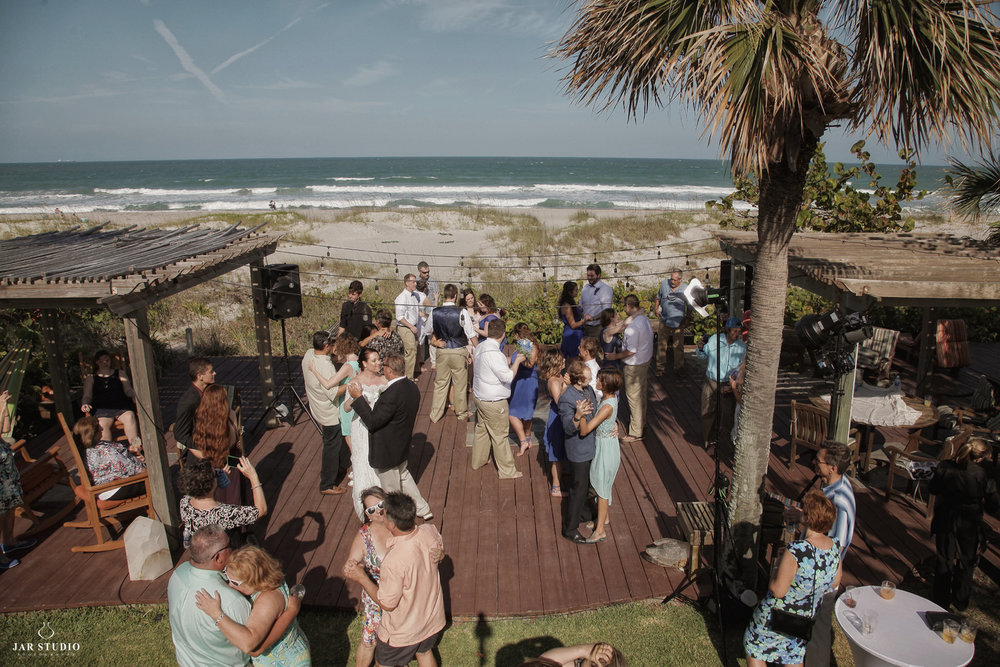33-outdoor-reception-beach-fun-central-florida-photographer.JPG