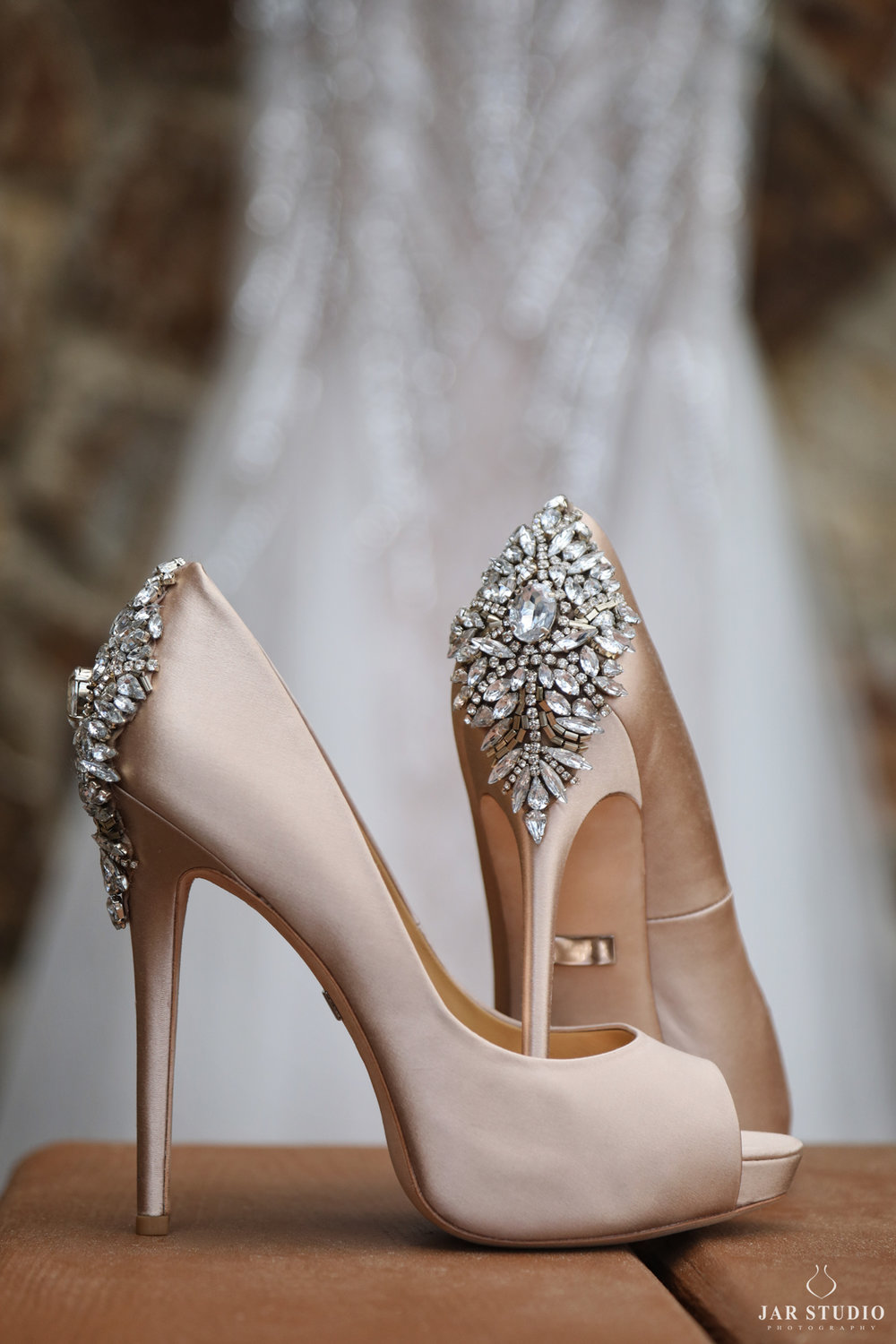 02-unique-wedding-shoes-fashion-jarstudio.jpg