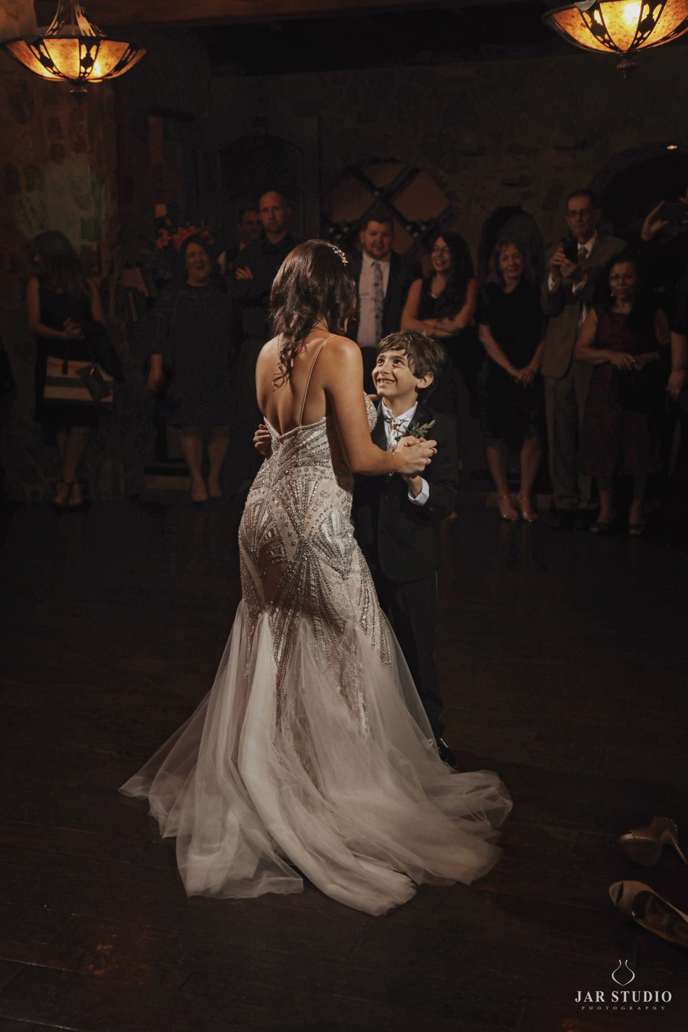 39-mother-son-cuttest-dance-wedding-photography-jarstudio.jpg