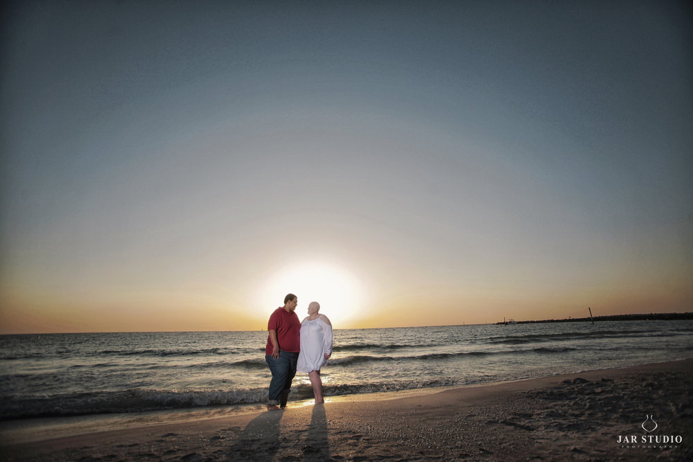 06-tampa-beach-engagement-jarstdio-photography.jpg