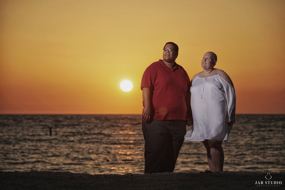 10-amazing-sunset-couple-cancerfree-life-photoshoot-jarstudio.jpg