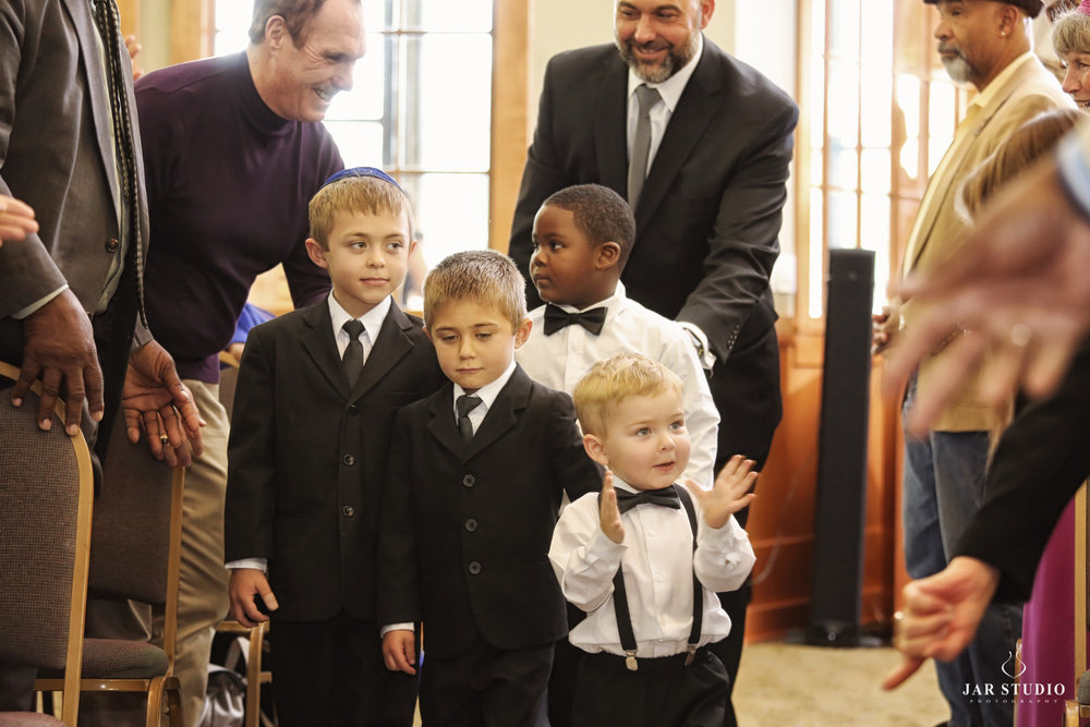 11-cute-black-bowtie-ring-bearer-jarstudio-photography.jpg