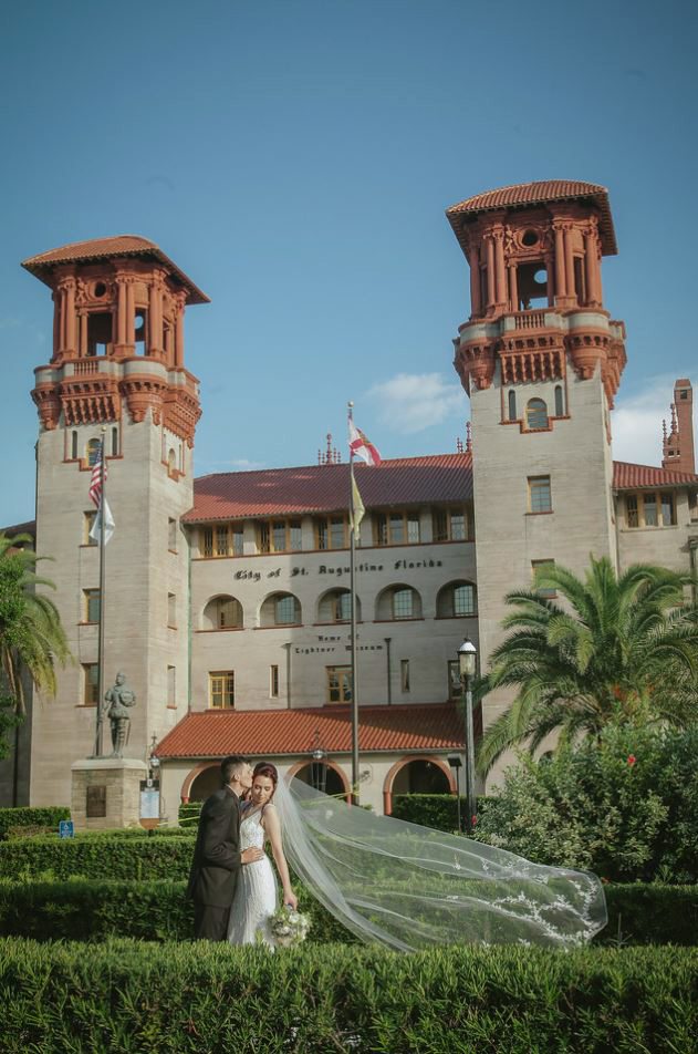 16-Treasury-onthe-plaza-SaintAugustine-wedding-photographer-jarstudio.JPG
