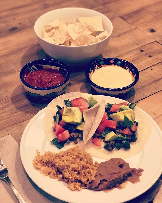 🌮 Tuesday made delicious by @sietefoods tortillas and chips and @peaslovenkale's queso dip #mexicanfoodismyfavorite #dairyfree #glutenfree #tacotuesday #taco #foodislove