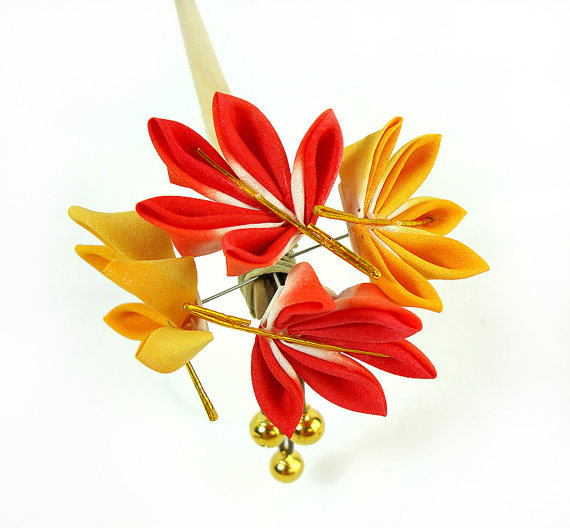 Little Cookie's Momiji Kanzashi - Autumn Leaves ($60)