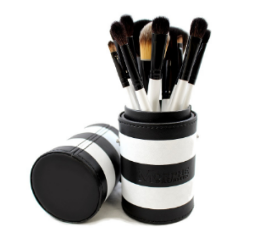 Morphe's Set 706- 12 Piece Black And White Travel Set ($49.99)