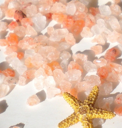 La Conchita Naturals  Pink Himalayan Bath Salts  ($2.40)