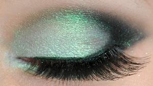 mattifycosmetics ' Holographic Mint Green Eye Makeup  ($4.99)