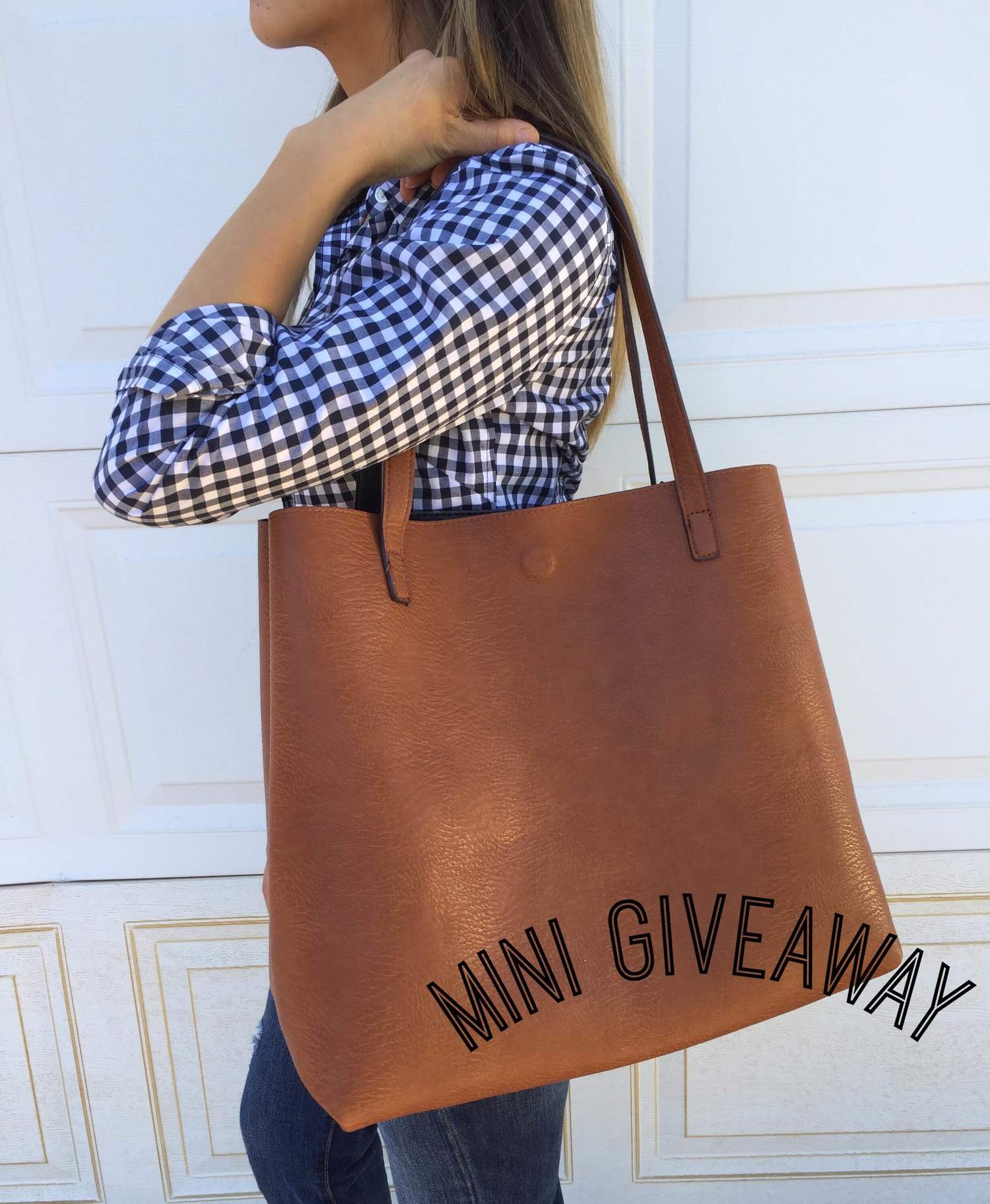 f645a5b82f Mini Giveaway: Reversible Faux Leather Tote & Wristlet from Nordstrom —  chichi made
