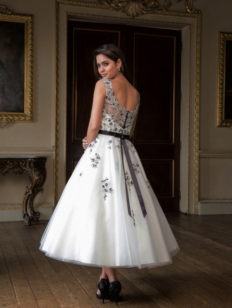 Styles Of Wedding Photography: 5 Fun Wedding Gown Styles (for Unbridely Brides)