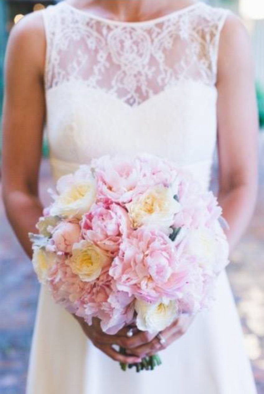 Round wedding bouquet - Unbridely