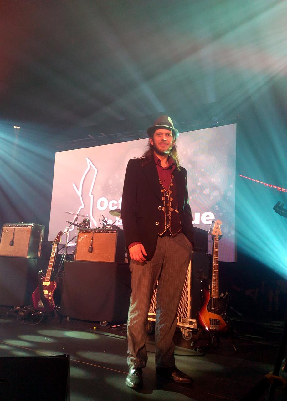 Eric Bribosia在颁奖礼舞台上