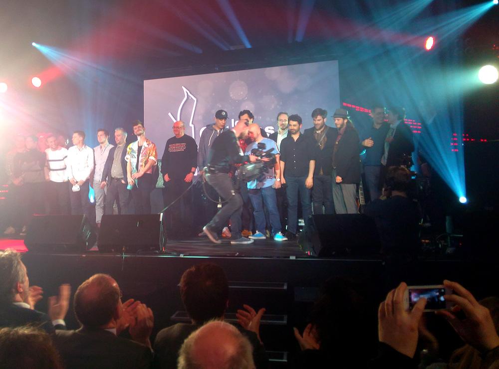 所有获奖音乐人在舞台上
