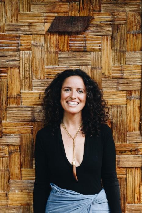 Cara Boccieri, oprichtster van Ways of Change, leeft in de jungle op de grens tussen Thailand en Birma.