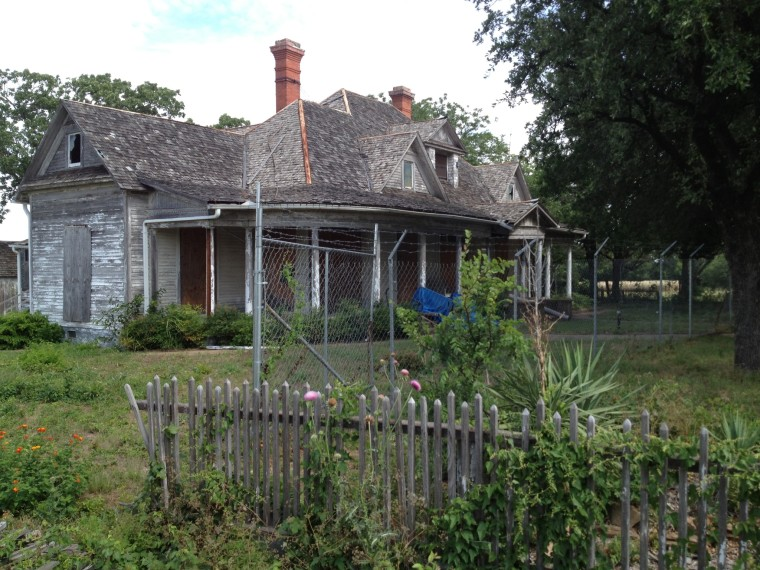 Anderson House prior to being moved.jpg