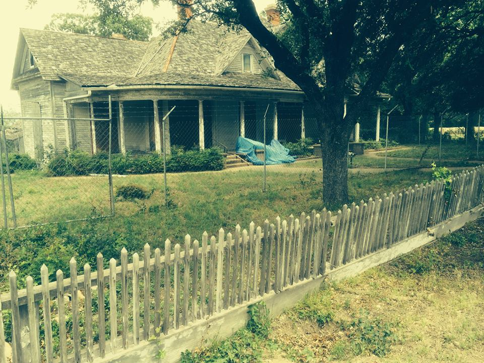 Anderson House with original picket fence.jpg
