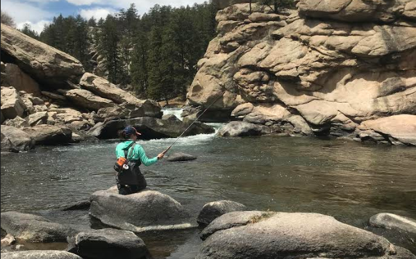 One hand? Zero problems with Tenkara.