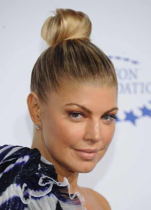 Fergie-Top-Knot-Updo-Hairstyle.jpg