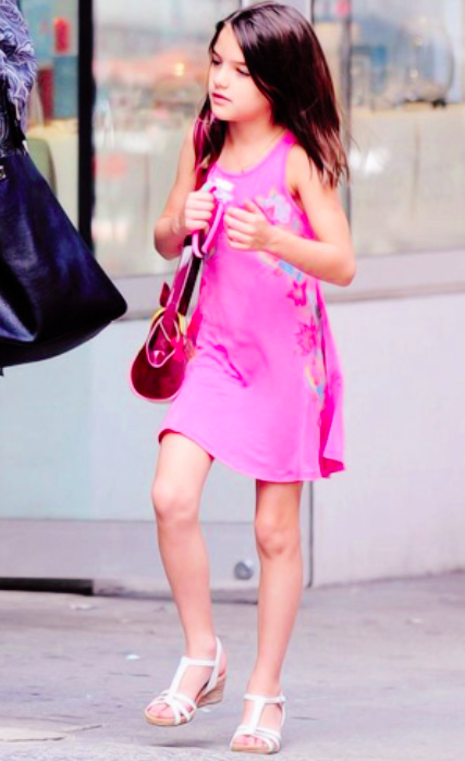 suri-cruise-nyc-white-wedge-sandals-july-2014.png