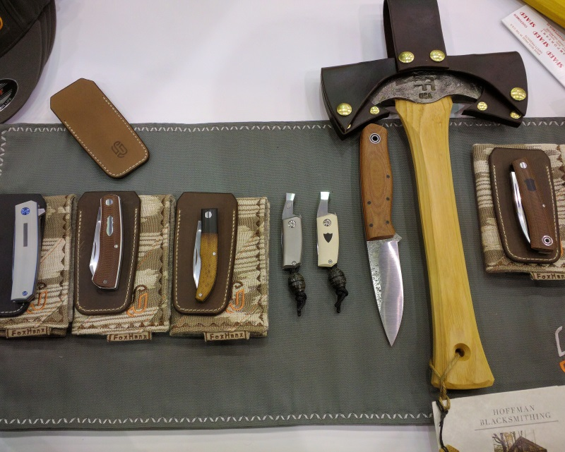 The first-come-first-serve selection on the first day of the show, featuring a variety of slipjoints, locking folders, Tengu Tools, and three-piece collaboration sets with Fiddleback Forge and Liam Hoffman.