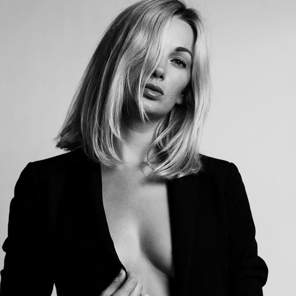 Hannah Flattery - Founder & Photographer