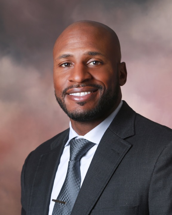 Drayton Florence Drayton serves as the Director of Strategic Partnerships at Tech From Vets. An 11 year NFL veteran, Drayton utilizes his professional connections and business knowledge to accelerate Tech From Vets' growth both technologically and financially. Drayton is a graduate of The University of North Florida.