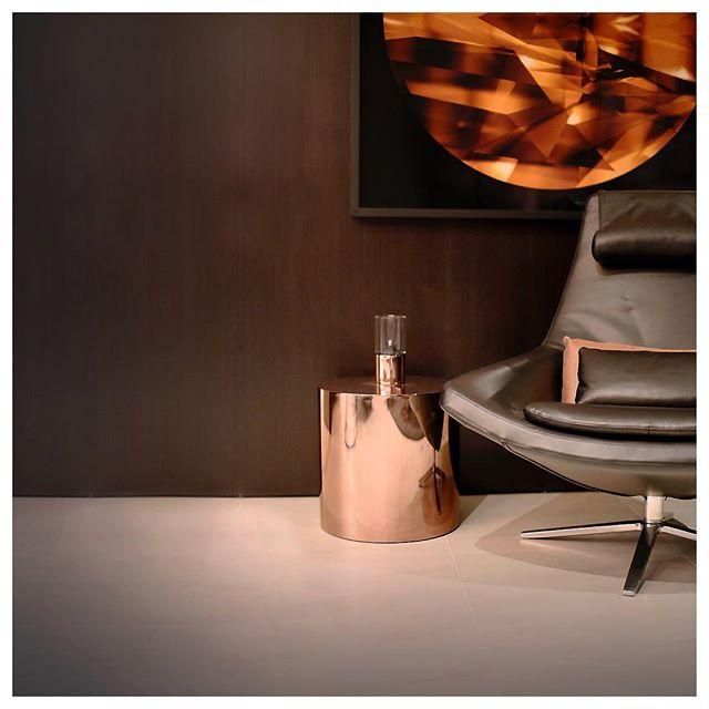 Modern metallics.  #designer #stylingideas #sydneystyle #fourtwo #furniture #madmen2018 #metallics #copper #stylingproject #moderninterior