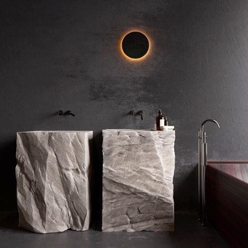 I feel it coming. #tgif #stone #bathroomstyle #interiorinspiration #minimalist #interiordetails #glow #eclipse #raw