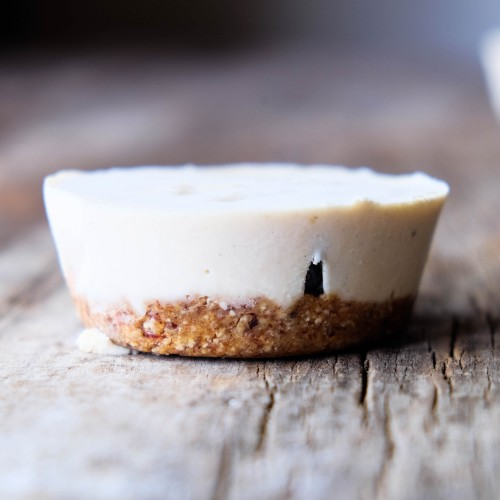 Raw Vegan Peanut Butter Cheesecake Bites