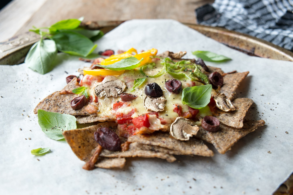 Healthy pizza nachos