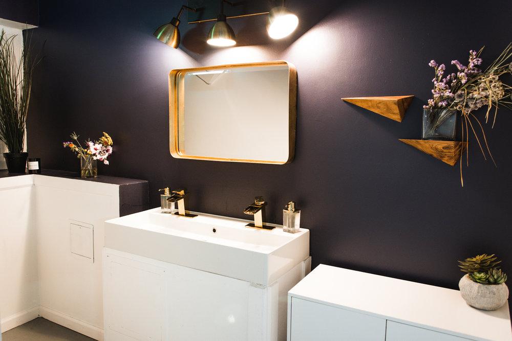 GUM_LIC_ds_bathroom.jpg