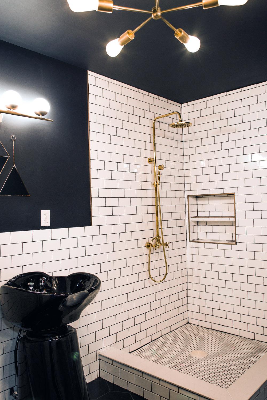 GUM_LIC_bath_shower.jpg