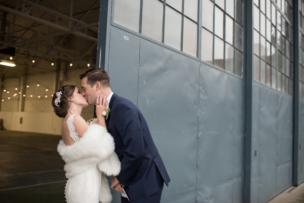 Hangar-30-wedding-Seattle-017.jpg