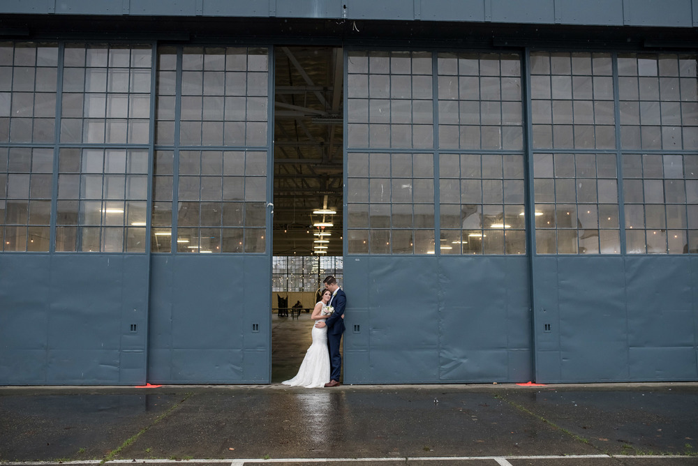 Hangar-30-wedding-Seattle-019.jpg