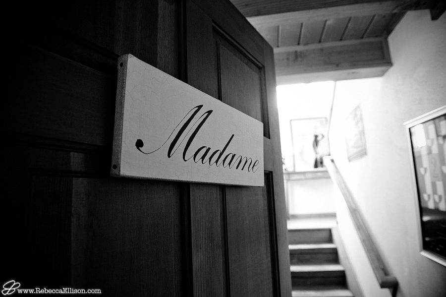 the door to the brides room at DeLille cellars in Woodinville, WA