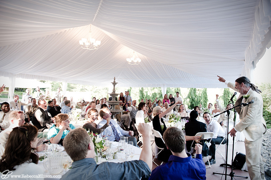 wedding guests cheer for the bride and groom at Jardin Del Sol in Snohomish, WA