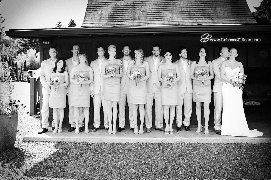 Seattle wedding party pose in a lineup